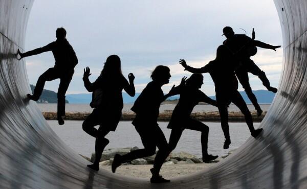 5 Kenyataan Hidup 'Gak Enaknya' Menikah dengan Sahabat Sendiri