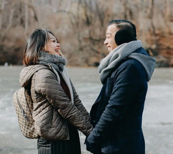 15 Tahun Menikah, Ini 10 Potret Harmonis Keluarga Nola B3, Mesra!