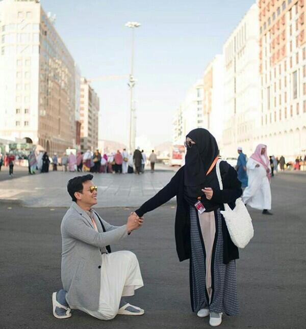 Pacaran Halal! Deretan Protret Pasangan Menikah Ini Bikin Baper, Apa Pendapatmu?