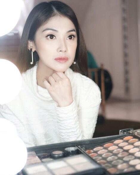 Lebih Pilih Jadi Karyawan TV , Ini 7 Potret Cantik Kartika Adik Sandra Dewi