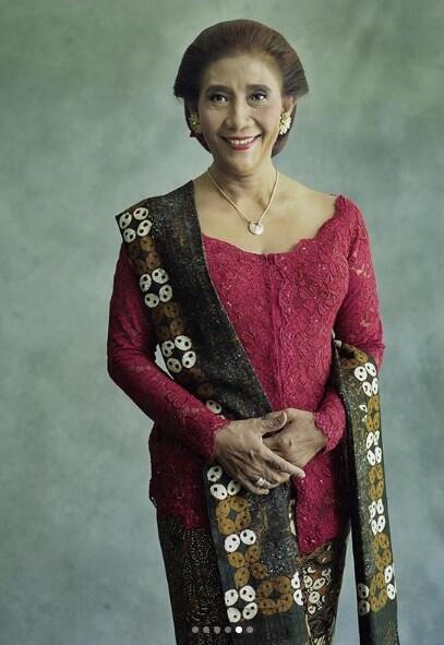 6 Potret Cantik Menteri Susi Saat Jadi 'Model Sehari', Bikin Netizen Pangling!