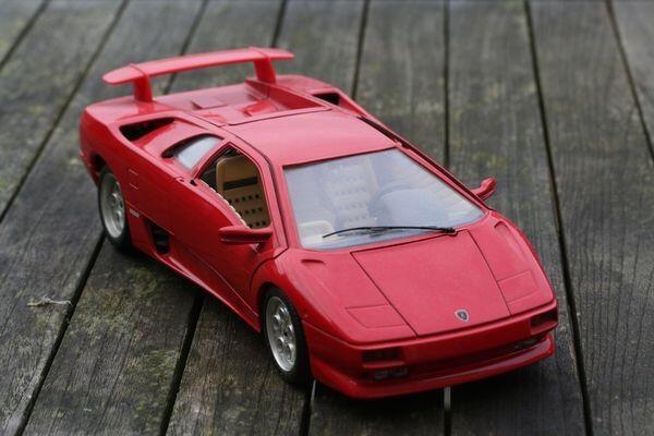 7 Merek Diecast Mobil Terbaik yang Bisa Kamu Beli