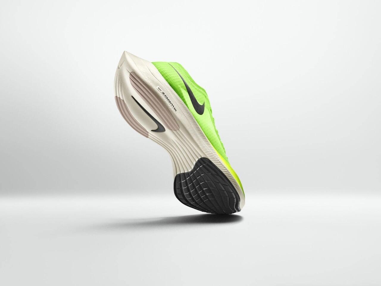 Sepatu Lari Tercepat dari Nike, yang Bener Gan?