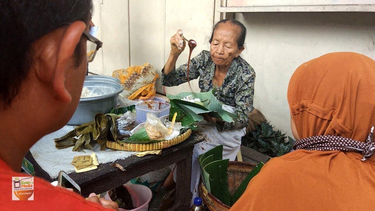 Dari Soeharto Hingga Netflix, Lupis Mbah Satinem di Yogyakarta Ini Emang Legend!