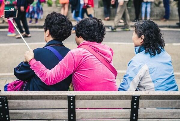 6 Fakta Soal Narsis yang Perlu Diketahui, Bukan Soal Selfie Saja Lho!