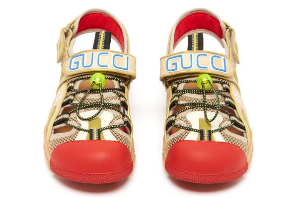 Sendal dari Gucci Ini Mahal Sih, Tapi....