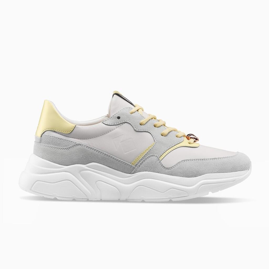 Sneakers Ini Terinspirasi dari Sepotong Croissant, Unik Tapi Nggak Bisa Dimakan Gan!