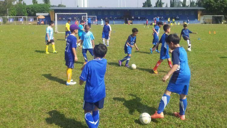 Nostalgia Peraturan Unik dan Tak Tertulis Sepakbola Kampung Anak 90'an, Cekidot!