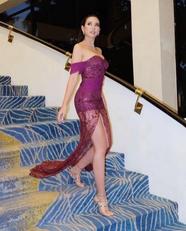 11 Potret Elvira Devinamira, Bak Barbie di Kehidupan Nyata