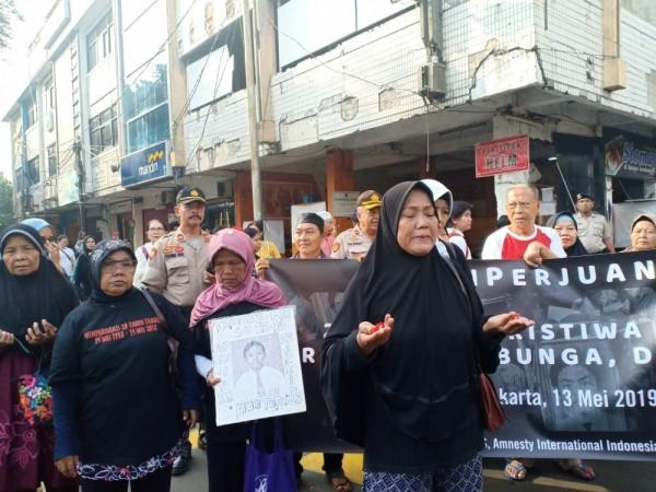 Sepenggal Kisah Pilu Korban Kerusuhan 98 di Mal Klender