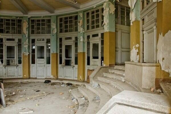 10 Tempat Ini Dulunya Ramai, Sekarang Terbengkalai