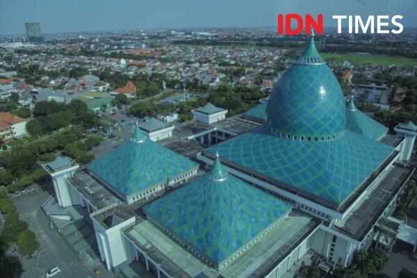 Asyiknya Ngabuburit di Masjid Al-Akbar Surabaya, Banyak Kuliner Enak