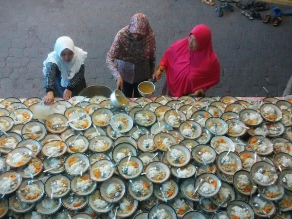 6 Fakta Ramadan, Bukti Indonesia adalah Negara Paling Dermawan