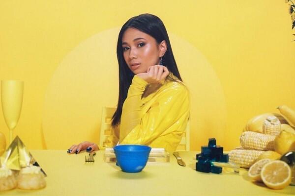 10 Fakta Niki, Penyanyi Kelahiran Indonesia Teman Lisa BLACKPINK