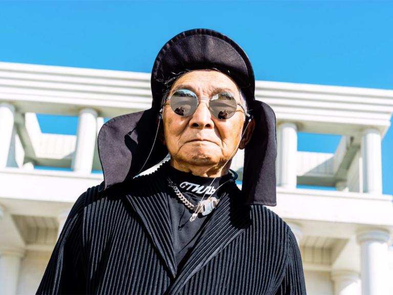 Kakek Berusia 84 Tahun Ini Style-nya Hypebeast Banget Gan!