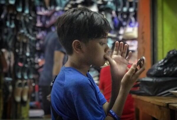 10 Potret Aaron Penyami, Putra Sulung Saykoji yang Beranjak Remaja
