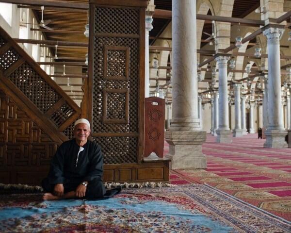 Perbedaan Zakat, Infak, Wakaf dan Hadiah yang Perlu Kamu Tahu