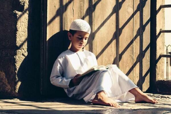 Ini 5 Manfaat Rutin Membaca Al-Quran Saat Ramadan Bagi Kesehatan