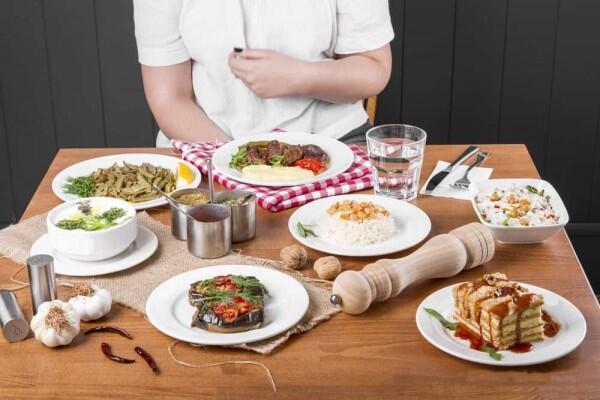 5 Pilihan Menu Buka Puasa Sehat untuk Penderita Hipertensi