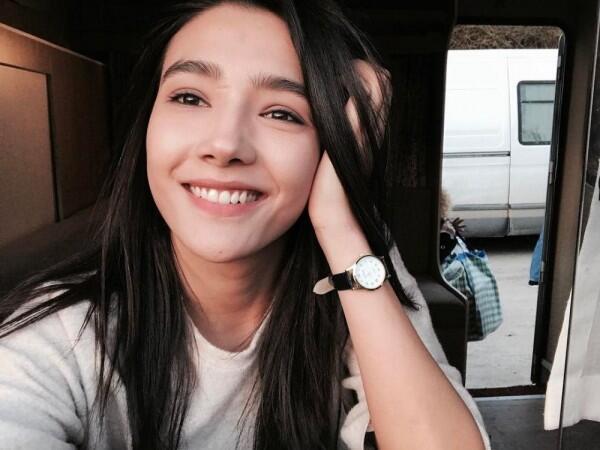 7 Bintang Muda Drama Turki yang Pesonanya Bikin Meleleh