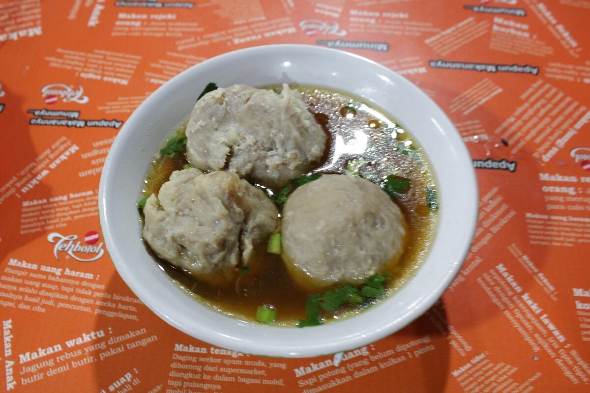 Wisata Kuliner Warung Kaki Lima Rasa Bintang Lima di Blok S Jakarta