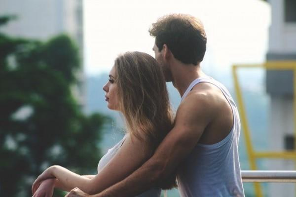 5 Tips Tetap Menjaga Kesetian Meski Ada Godaan untuk Selingkuh!