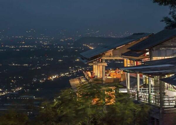 10 Bukit Bintang Kece di Indonesia Ini Tawarkan Suasana Romantis