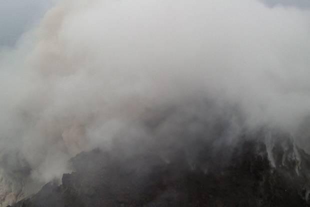 Enam Jam, Merapi 5 Kali Semburkan Lava Pijar Warga Diminta Waspada
