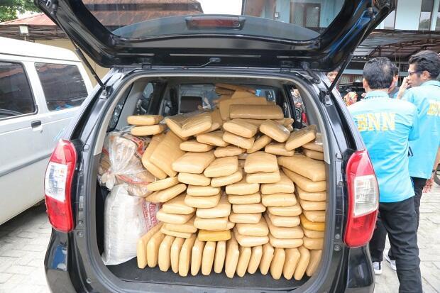 Penyelundupan 300 Kg Ganja di Antara Limbah Medis Digagalkan BNN
