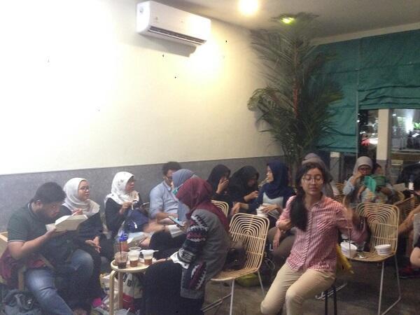 Nikmatnya Kopi Susu Buatan Barista Disabilitas di Sunyi House of Coffee and Hope