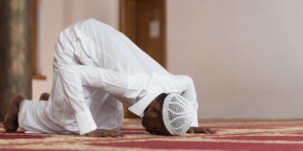 Niat, Doa dan Tata Cara Salat Taubat di Bulan Ramadan