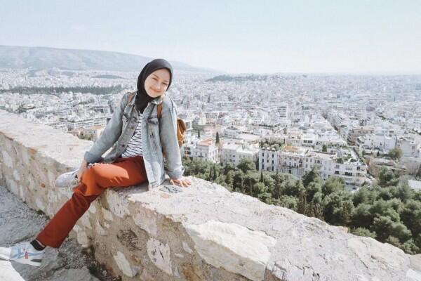 10 Aktivitas Gita Savitri, Idola Kaum Millenial yang Menginspirasi