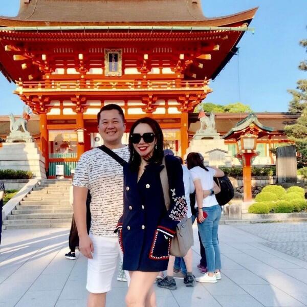 10 Potret Romantis Bulan Madu Femmy Permatasari & Suami di Jepang