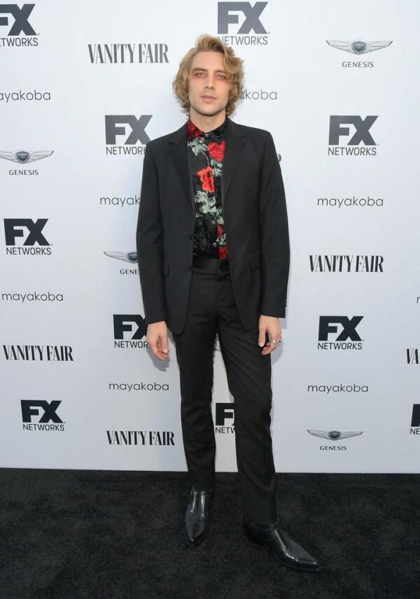 7 Gaya Androgini Cody Fern, Anak Emas Baru Hollywood