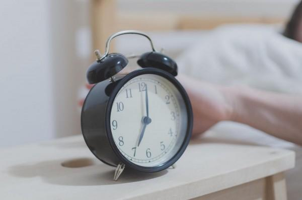 Masih Sering Kesiangan? Coba 7 Tips Ini untuk Menjadi Morning Person