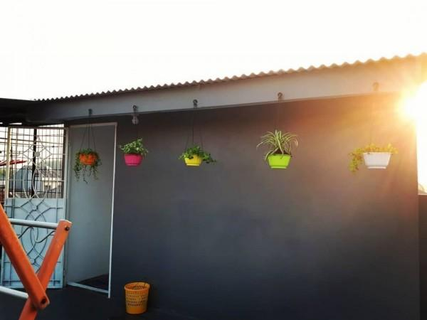 Inspirasi Rumah Eklektik di Lahan Seluas 75m,Ada Saung di Rooftop!