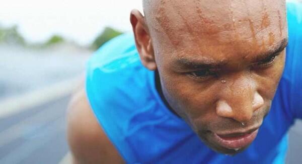 Jangan Biasakan, Ini 7 Dampak Bahaya Mandi Langsung Pasca Berolahraga!