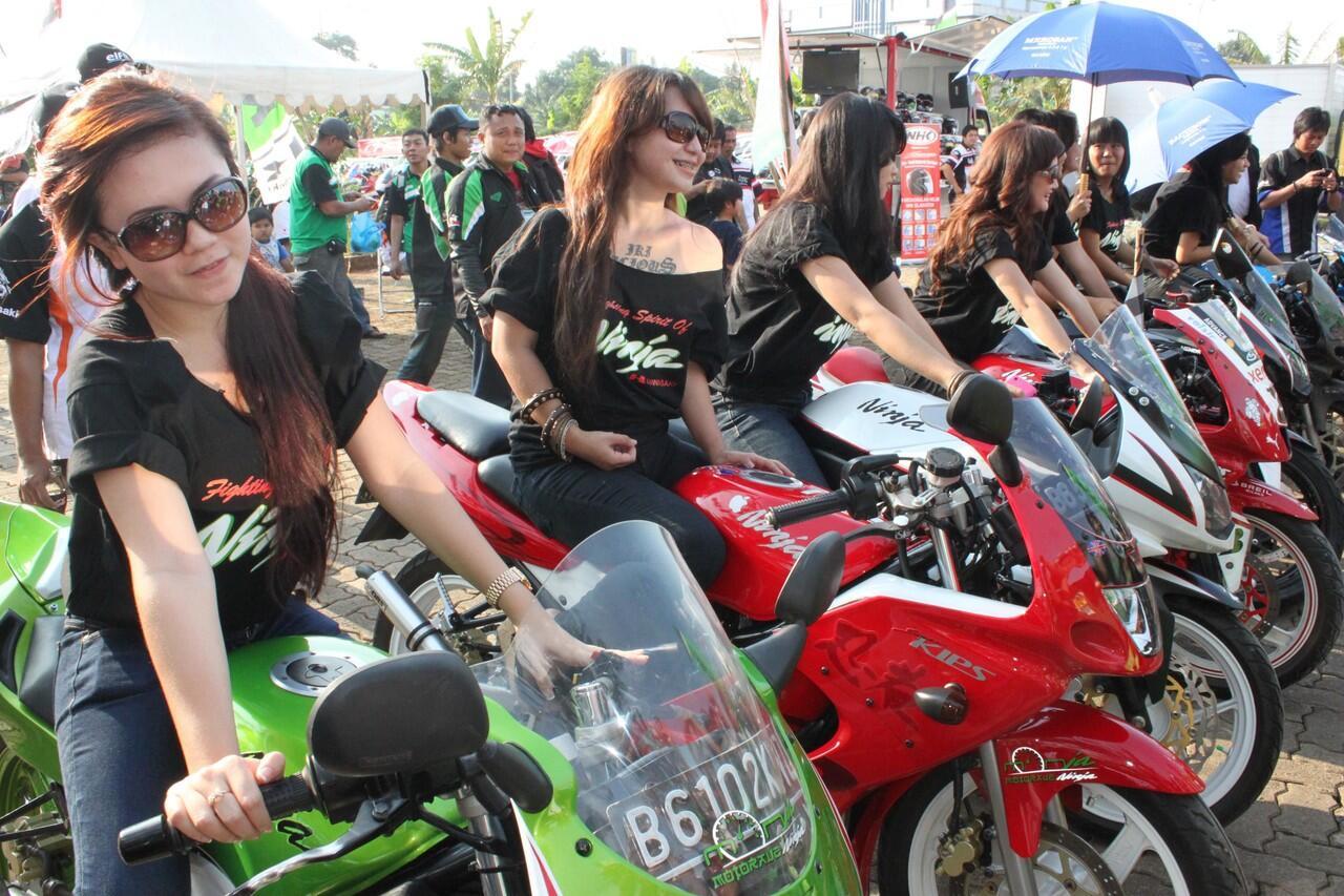 Sangar! 3 Komunitas Cewek Bikers di Kota Bandung