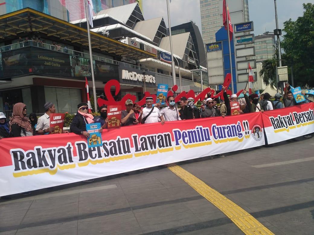 Update Terkini Kepadatan Lalu Lintas dan Penutupan Ruas Jalan di Sekitaran Demo KPU