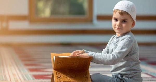 Ini Dia Pelajaran di Bulan Suci Ramadhan yang Bisa Kamu Ajarkan Ke Anakmu, GanSis!