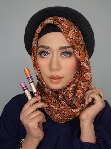 Sejukkan Suasana dengan Video dari 9 Vlogger Hijab Cantik Ini. Kenalan Yukz