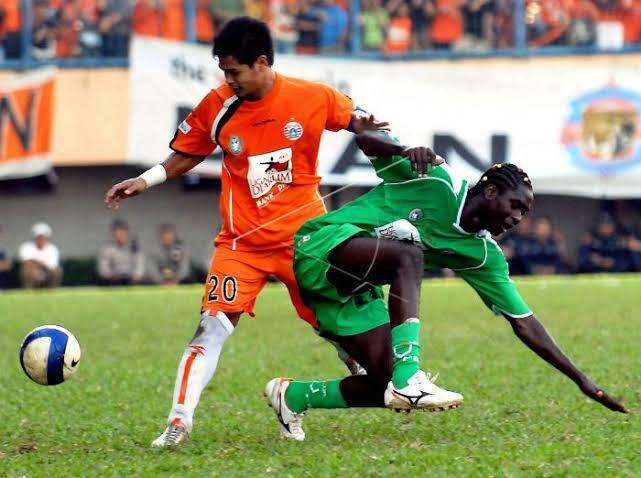 Kala Rokok Menguasi Liga Indonesia