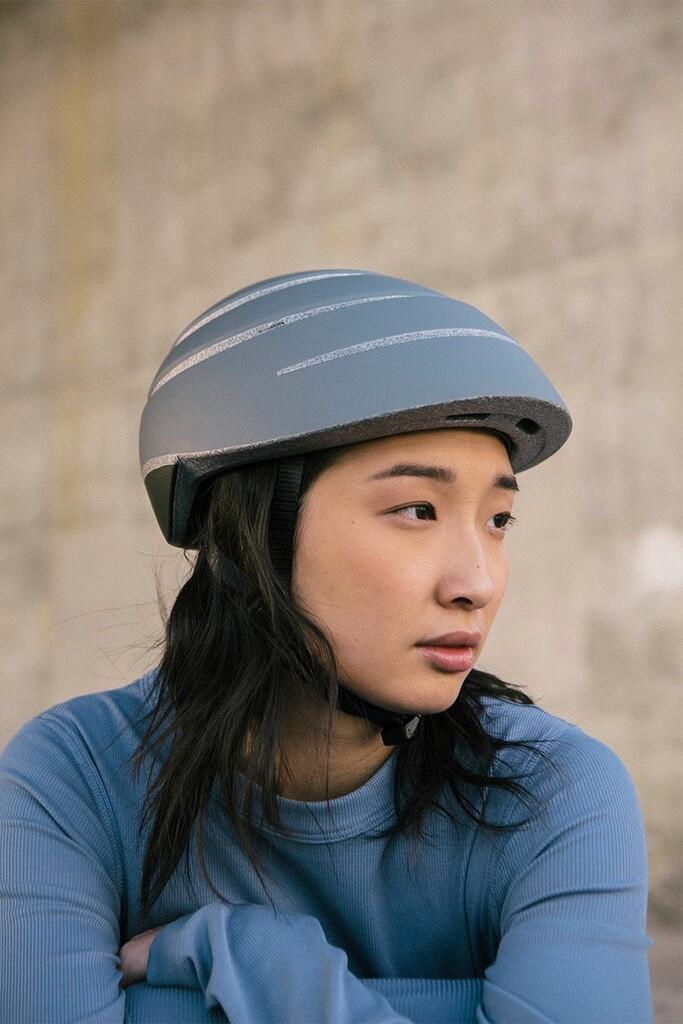 Inovasi Baru, Helm Sepeda Ini Sangat Praktis dan Bisa Dilipat
