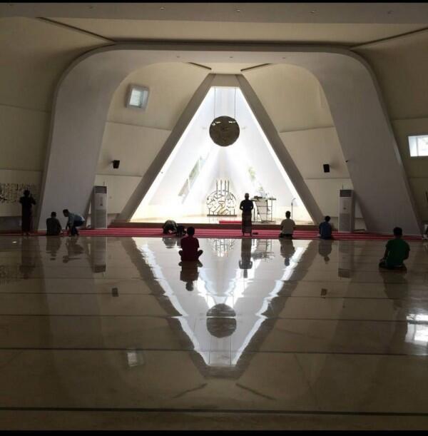 Ada Simbol Iluminati di Masjid Al-Safar? Ini Jawaban Ridwan Kamil