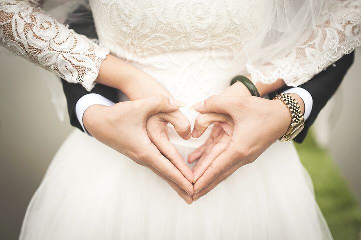 Menikah Muda? Eits, Pikirkan Dulu Dampak Positif Negatifnya!