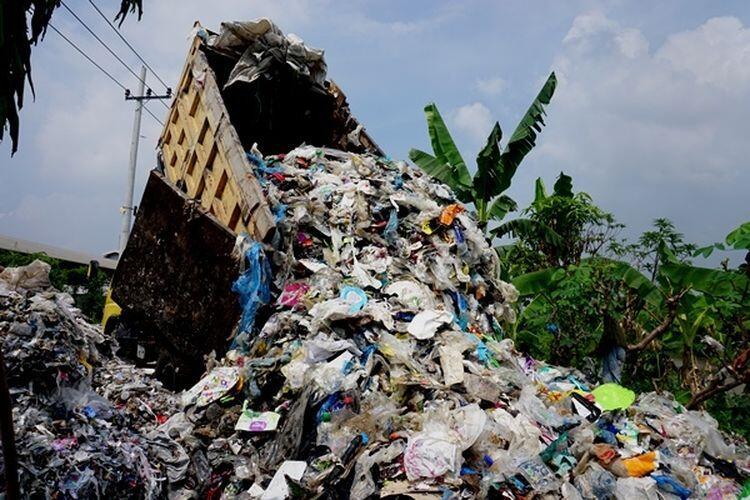 Indonesia Kembalikan 5 Kontainer Sampah ke Amerika Serikat