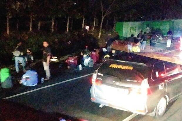 Bus Sarat Penumpang Terlibat Kecelakaan Beruntun di Tol Cipali