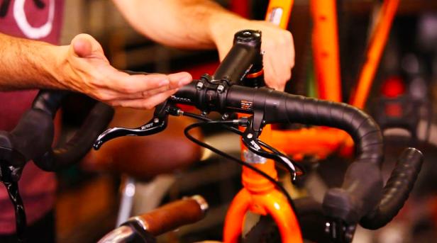 Mau Upgrade Part Sepeda? Ini Kebiasan yang Dilakukan Pelanggan di Toko Ane