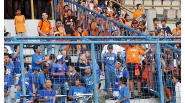 Kapan Ya Dua Kubu Suporter Ada di Stadion yg Sama Pas Big Match?
