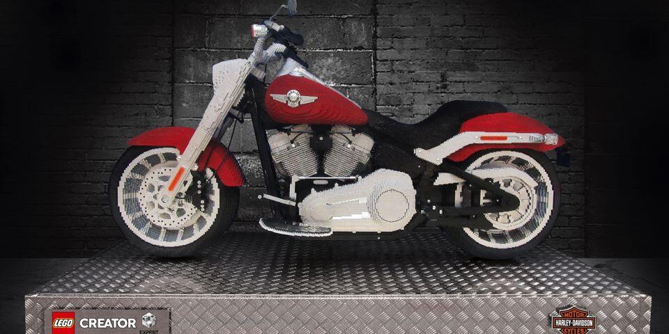 Keren Gan! LEGO Bikin Mainan Replika Motor Harley-Davidson Fat Boy
